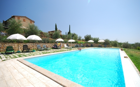Holiday apartment with pool LAVANDA