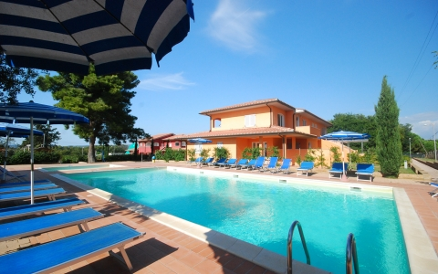 Holiday apartment with pool CORALLO 1