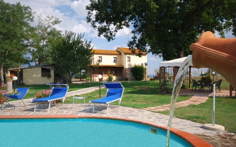 Holiday villa with pool PODERE QUERCI