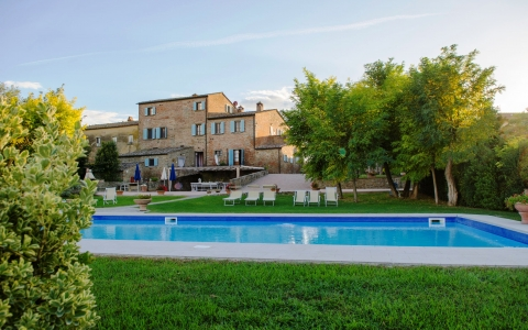Holiday villa with pool CASALE GIARA