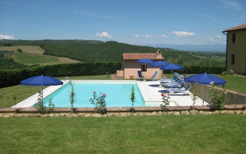 villa rental vacation san gimignano casale vigneti countryside view siena region
