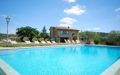 Holiday villa with pool MORAIOLO
