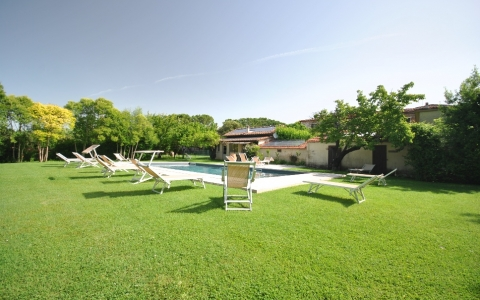 Holiday flat with pool CIPRESSI
