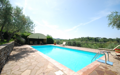 poggione chianti holiday villa pool gaiole eroica countryside hill family
