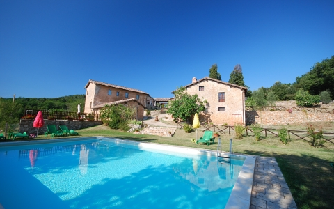 Holiday apartment with pool OLIVI