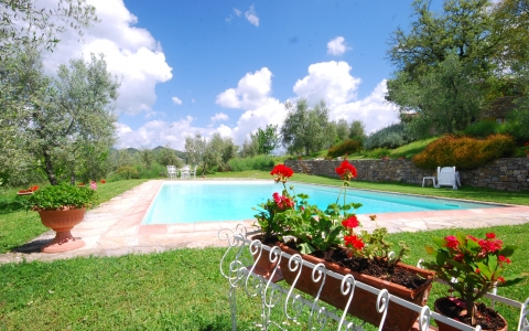 Holiday villa with pool CASINA