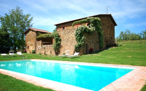 Agriturism with pool CASTAGNO