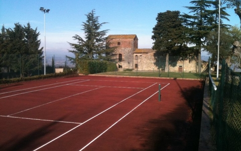 villa le torri rental vacation san gimignano casale vigneti countryside view siena region tennis court