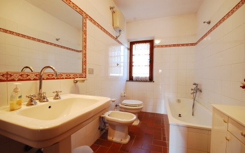 villa arco tuscany holiday villa countryside private pool bathroom